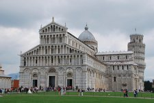 Where is the tower in the land of tourists (Pisa, Italy) resize
