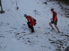Steffi and Nico navigating snow 2 (Shauinsland, Freiburg) resize