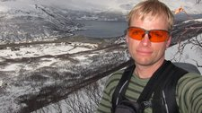 Cris with fiord behind (Tomesrenna, Norway) resize