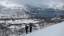 Em and Chris with fiord behind (Tomesrenna, Norway) resize