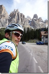 Climbing up to passo Sella (Cycling Dolomites)