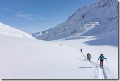 Heading up the valley (Ski touring Martin Busch Huette)
