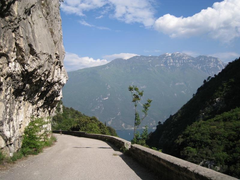 Descending (Lago di Garda, Italy)