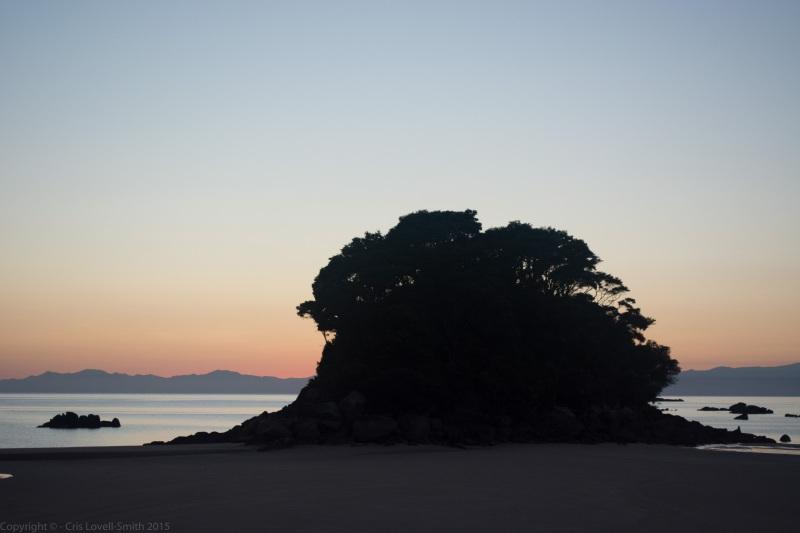Mosquito Bay in the morning 2 (Seakayaking Abel Tasman Dec 2014)