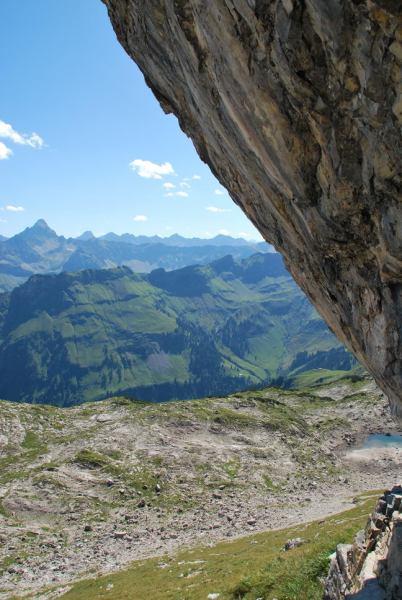 View behind rock (Nebelhorn Klettersteig, Germany)