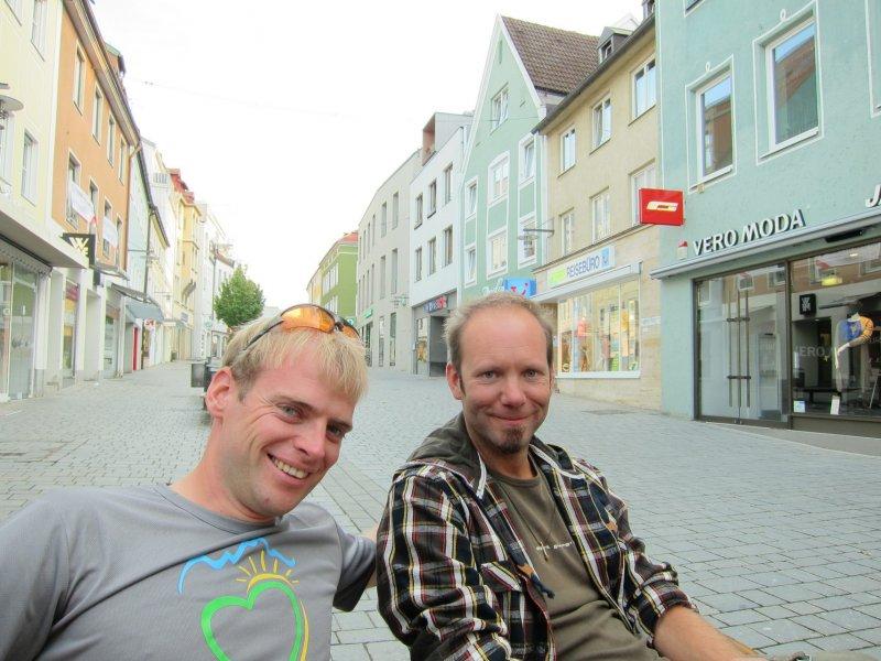Cris, and Manu getting icecream (Kempten, Germany)