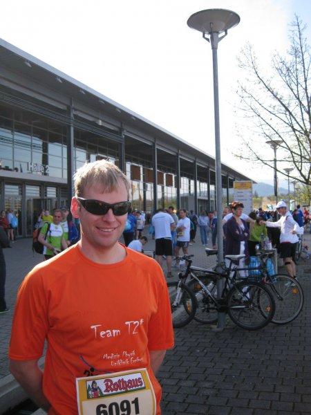 Cris before Freiburg half marathon (Freiburg, Germany)