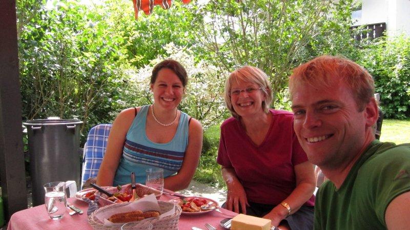 Eating with Simone and Christine (Oberstdorf)