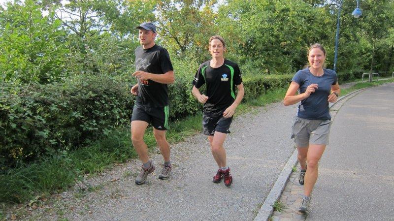 Jamie, Julian, and Penny running (Freiburg)