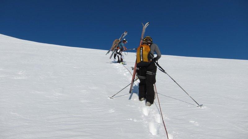 Skis off (Langdalstindane, Norway)