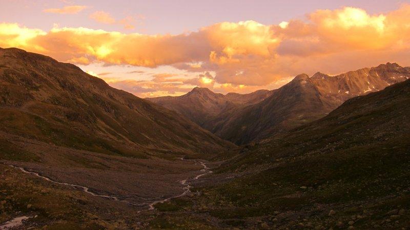 Sunset from Scaletta Pass (Switzerland)