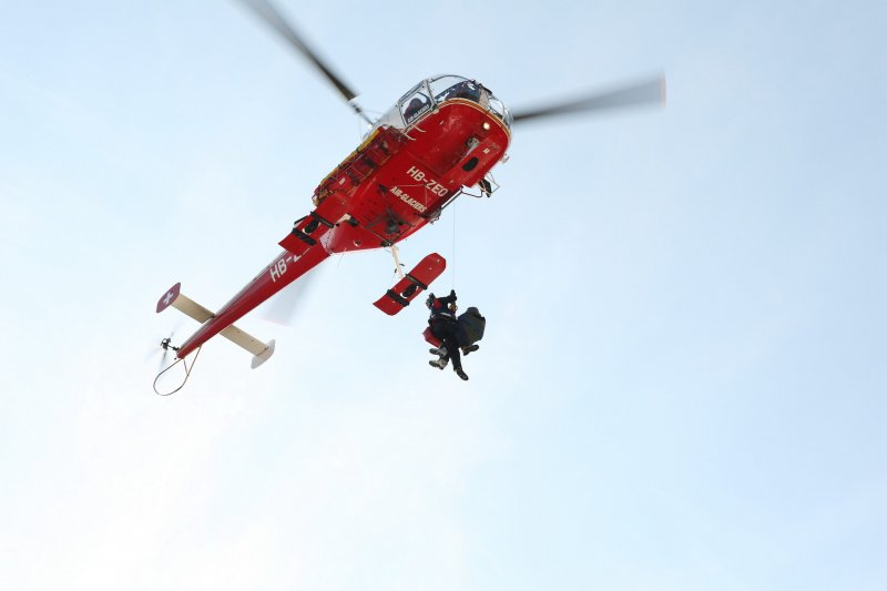 ute-is-airlifted-2-switzerland