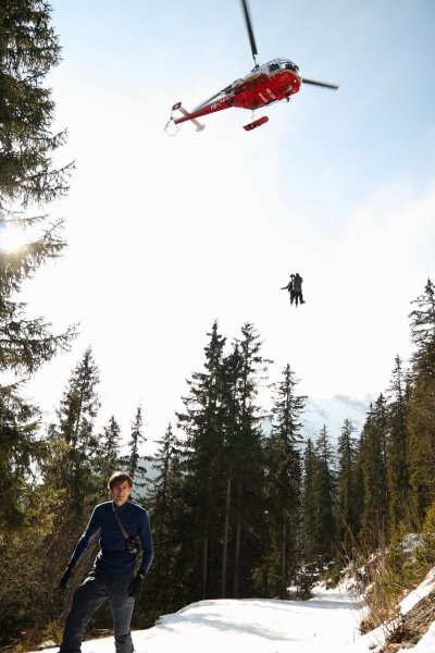 ute-is-airlifted-switzerland