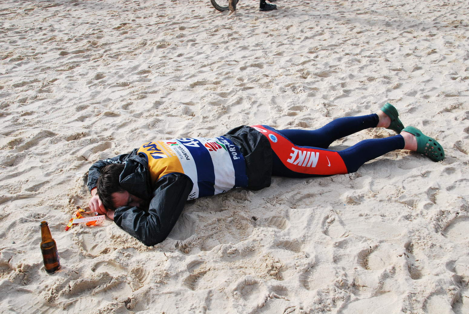 Chris has a nap after the race (Portugal ARWC 2009)