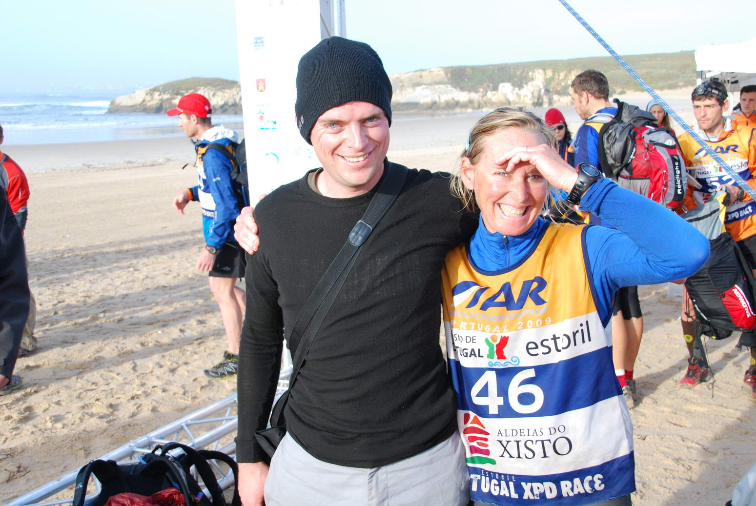 Cris and Mona at the finish (Portugal ARWC 2009)