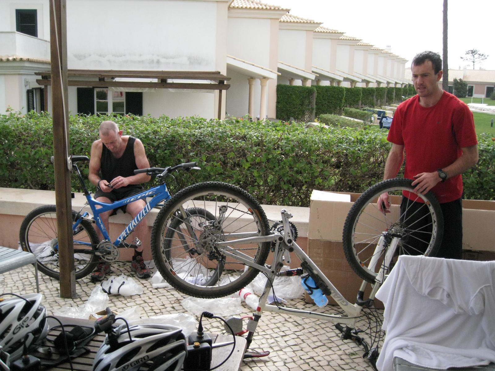 Setting up (Portugal ARWC 2009)
