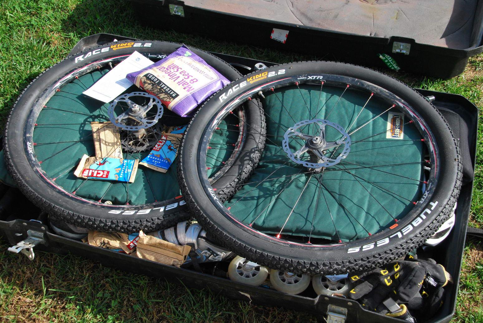 Wheels in bike box (Portugal ARWC 2009)