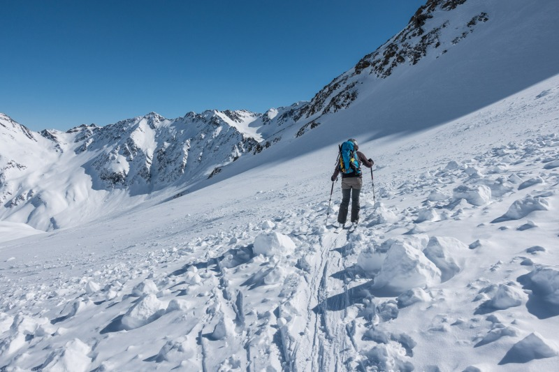 Leonie skis through debris (Arlberger Winterklettersteig March 2017)