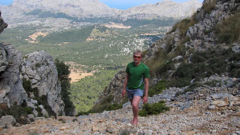 Cris climbing the mountain (Mallorca)