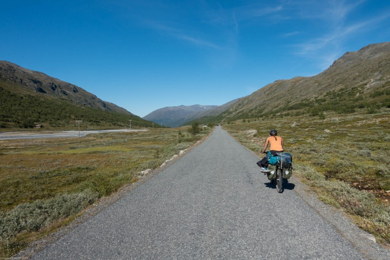 Heading back to Lom (Cycle Touring Norway 2016)