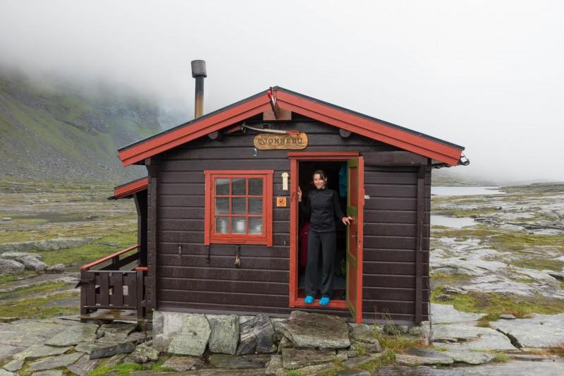 Leonie and Tjønnebu (Cycle Touring Norway 2016)