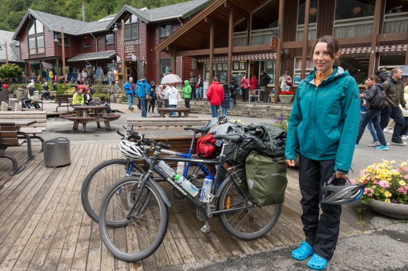 Leonie and bikes in Geiranger (Cycle Touring Norway 2016)