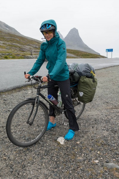 Leonie at the pass (Cycle Touring Norway 2016)