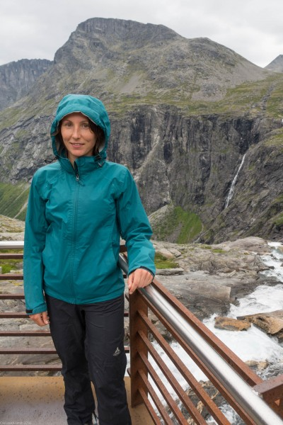 Leonie at the top of the Trollstigen (Cycle Touring Norway 2016)