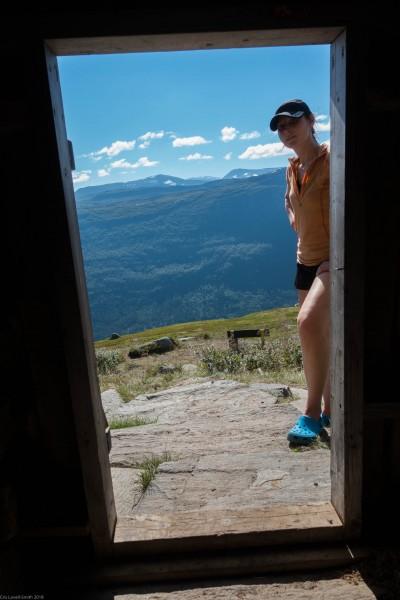 Leonie looking in the door (Cycle Touring Norway 2016)