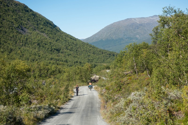 Leonie riding down (Cycle Touring Norway 2016)