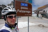 Cris at passo Falzarego (Cycling Dolomites)