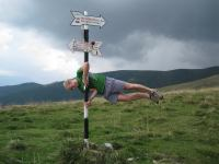 Cris pole dancing (Fagaras Mountains)
