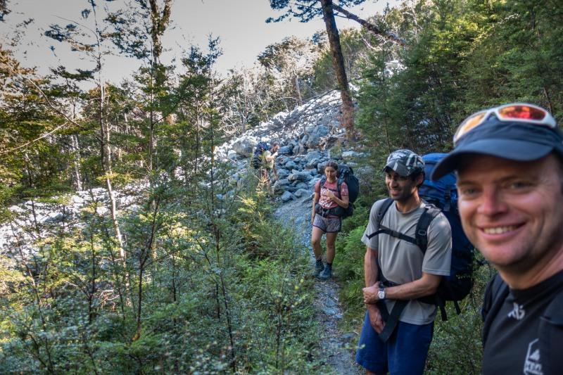 Walking to Greenstone Hut (Greenstone-Caples Jan 2021)