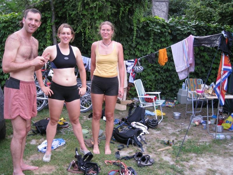 Chris, Emily, Frauke in the messy campsite (Lago di Garda, Italy)