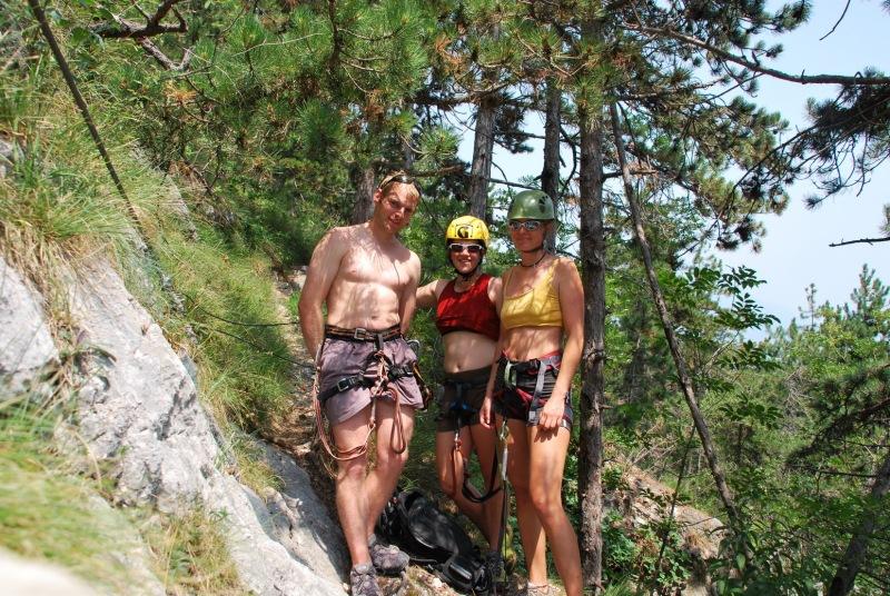 Cris, Emily, Frauke by the klettersteig (Lago di Garda)