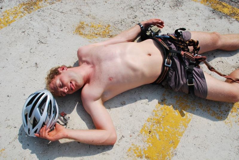 Cris suffers from heat exhaustion after klettersteig (Lago di Garda)