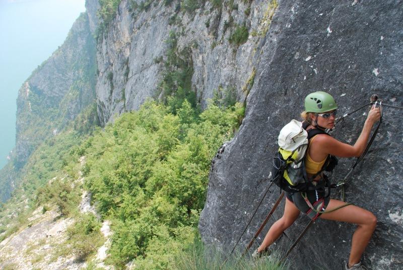 Frauke leaves the ladder (Lago di Garda)