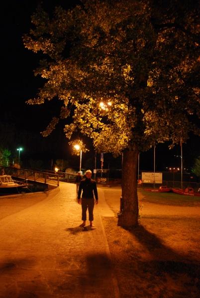 Cris under tree (Lago di Garda)