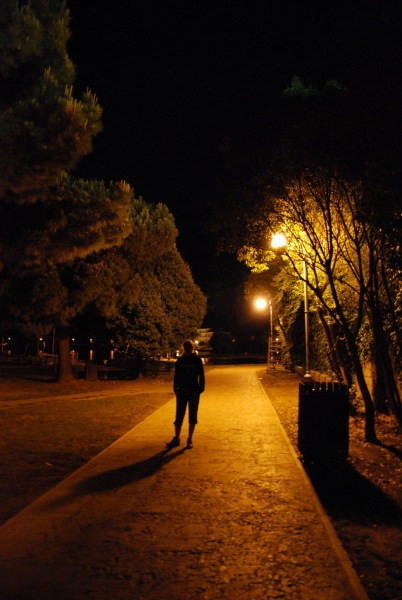 Frauke in street light (Lago di Garda)