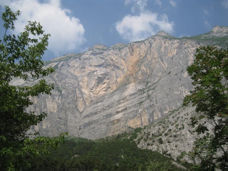 Rocky face (Lago di Garda)