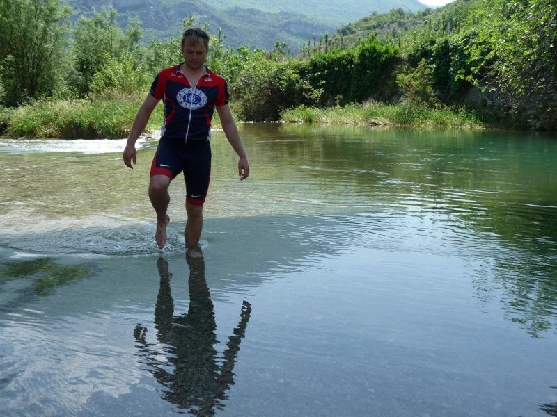 Cris paddling (Lago di Garda, Italy)