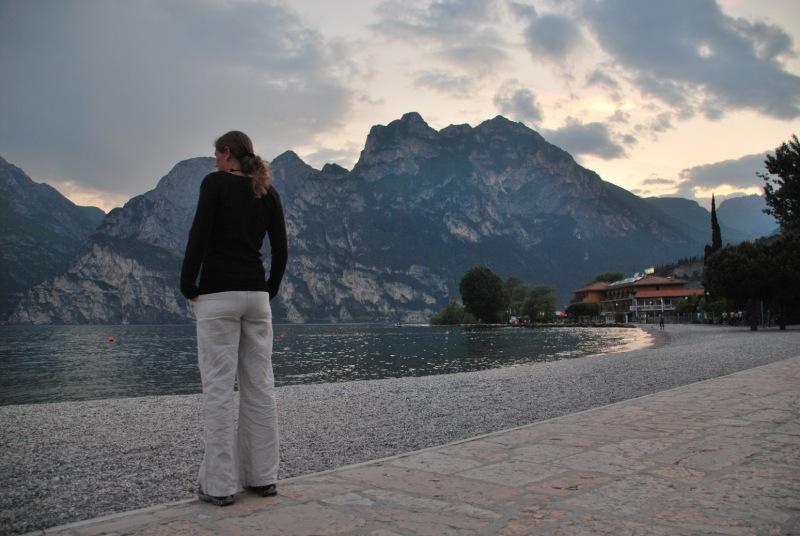 Frauke by the lake in the evening (Lago di Garda, Italy)