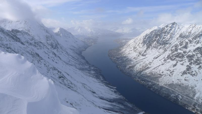 Awesome fiord below (Rørnestinden, Norway)
