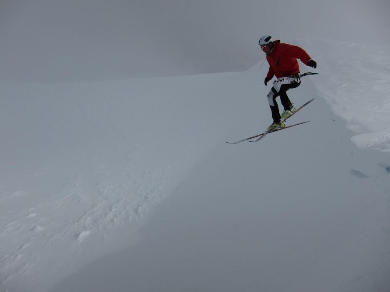 Chris drops 2 (Langdalstindane, Norway)