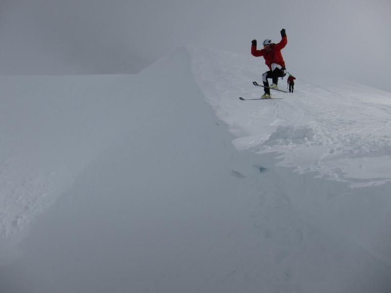 Chris drops (Langdalstindane, Norway)