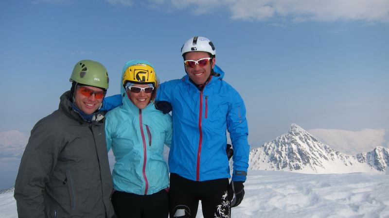 Cris, Em, Chris at the summit 2 (Storgalten, Norway)