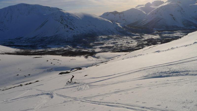 Cris falls over (Langdalstindane, Norway)