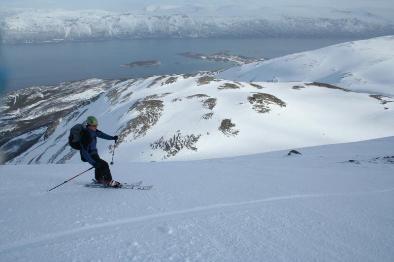 Cris on skis (Rørnestinden, Norway)