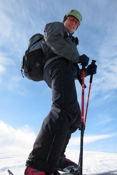 Cris on the summit 2 (Rørnestinden, Norway)