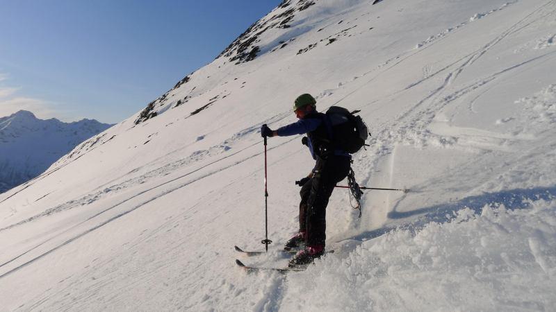 Cris skiing down (Langdalstindane, Norway)